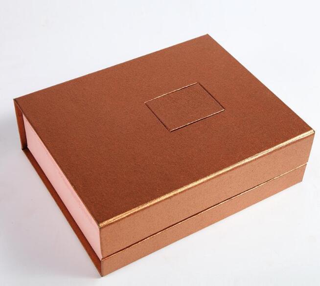 简洁而不失优雅的礼品包装盒定制